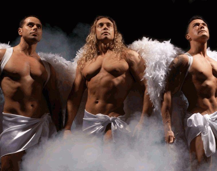 nochnie-angeli-eroticheskoe-shou