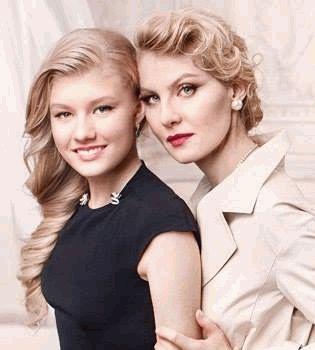 Рената Литвинова,Рената Литвинова дочь,Рената Литвинова дочь фото,Рената Литвинова фото,фото Рената Литвинова