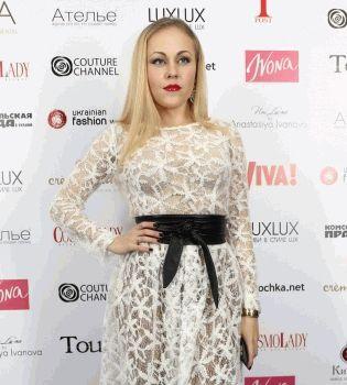 Alyosha,певица Алеша,звездная примерка,Анастасия Иванова,платье,фото