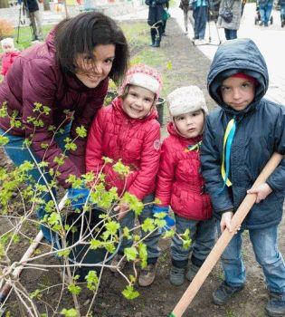Маричка Падалко,Юрий Горбунов,Соломия Витвицкая,звезды сажали деревья,фото