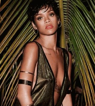 Рианна,фотосессия,фотосет,обнаженная,топлесс,Vogue