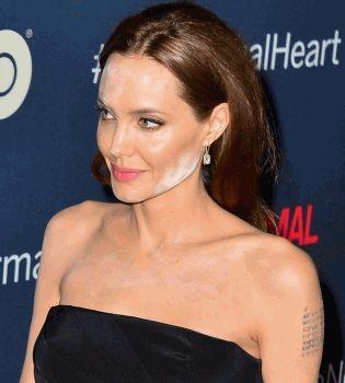 Анджелина Джоли,конфуз,макияж,оконфузилась,фигура,наряд,фото