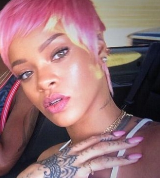 Рианна,фото,стиль,прическа,стрижка,пикси,розовые волосы