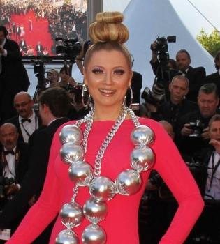 Каннский кинофестиваль 2014,Лена Ленина,фото,платье,колье,красная дорожка