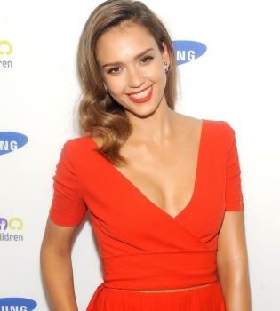 Джессика Альба,фото,стиль,выход в свет,красное платье,наряд,мода