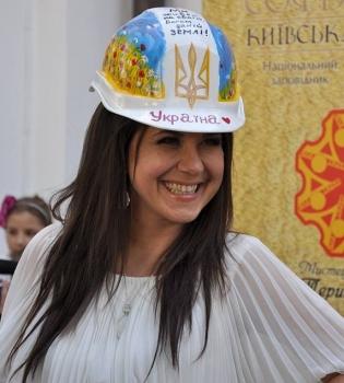 Анжелика Рудницкая,эвакуированные дети Донбасса,Киев,акция,дерево желаний,фото
