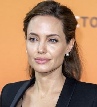 Анджелина Джоли,фото,филантропия,стиль,элегатность,мода,красота