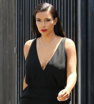 Ким Кардашьян,фигура,стиль,дочь,фото,папарацци