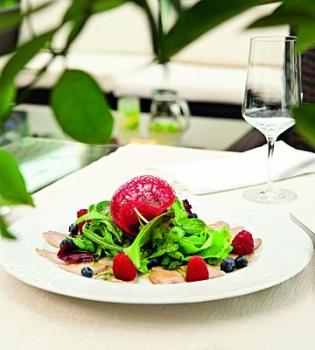 салат,рецепт,рецепт салата,телятина,ягоды