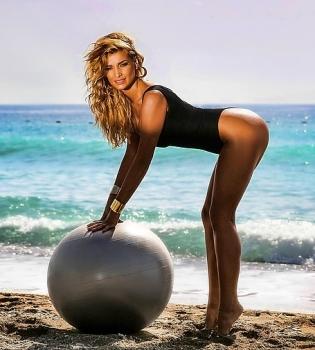 Татьяна Котова,в купальнике,на пляже,фото,Инстаграм