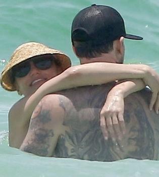 Камерон Диаз,фото,бойфренд,фигура,на пляже,в бикини,личная жизнь,Бэнджи Мэдден