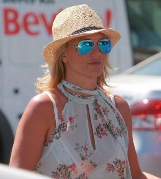 Бритни Спирс,фигура,фото,стиль,шорты,прическа,стрижка
