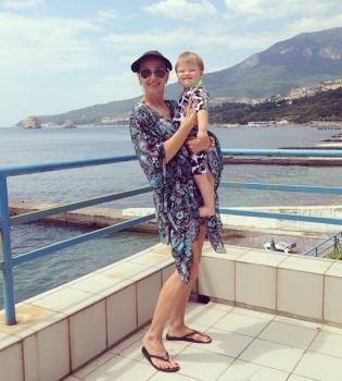Эвелина Бледанс,Крым,отдых,сын,фото