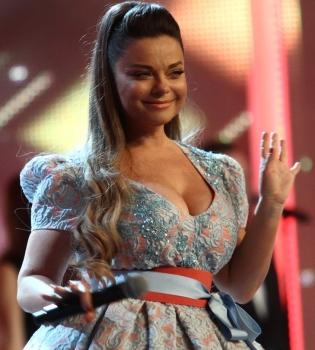Наташа Королева,фигура,платье,фото,грудь,декольте,Новая волна 2014,Юрмала