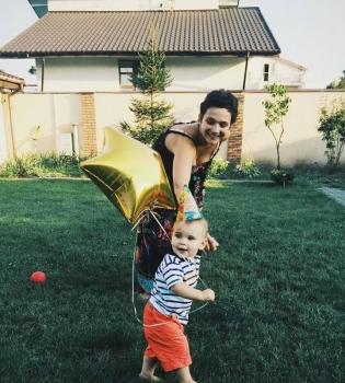 Тала Калатай,сын,фото,дочь,день рождения