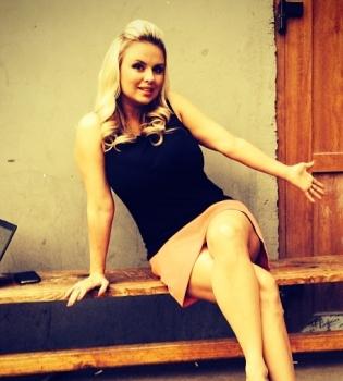Анна Семенович,фото,волосы,брюнетка