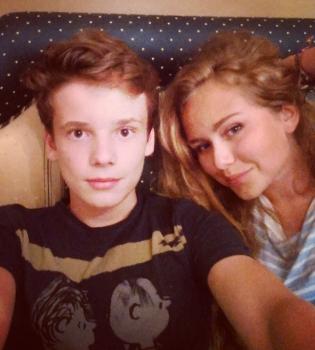 Дмитрий Маликов,дочь,Стефания Маликова,Валерия,сын,Арсений Шульгин,встречается,фото