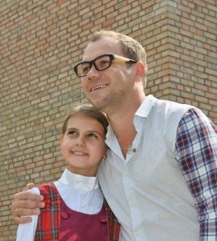 Андре Тан,дети,беженцы,1 сентября,школьная форма,одежда,фото
