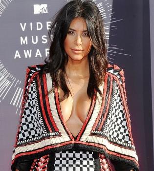 Ким Кардашьян,платье,декольте,фото,фигура,грудь,MTV Video Music Awards,2014,красная дорожка