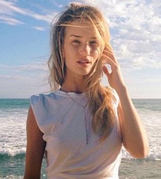 Роузи Хантингтон-Уайтли,фото,фигура,в бикини,Instagram