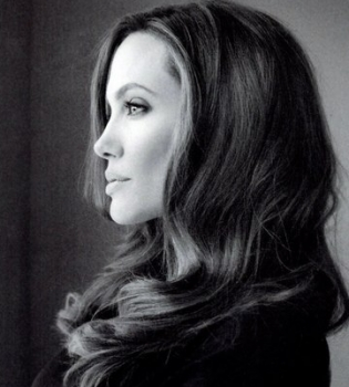 Анджелина Джоли,фотосессия,журнал,фото,черно-белая,портрет