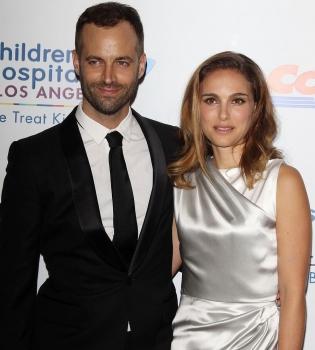 Натали Портман,муж,Бенджамин Мильпье,фото,выход в свет,платье