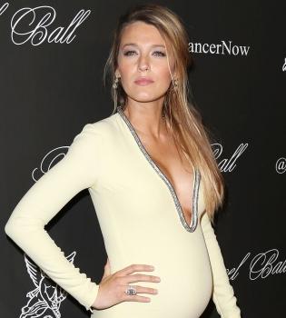 Блейк Лайвли,беременна,живот,фото,платье,декольте