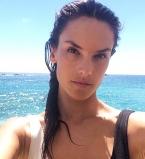 Алессандра Амбросио,фигура,осенние каникулы,фото,в бикини