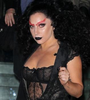 Леди Гага,фото,платье,прозрачное,фигура,беременна