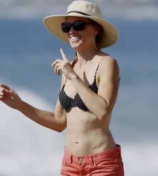 Хилари Суонк,фигура,в бикини,на пляже,бойфренд,личная жизнь