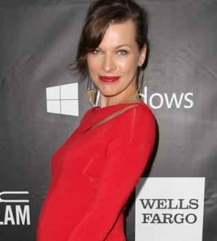 Милла Йовович,беременна,животик,вышла в свет,фото,платье,муж,семья,личная жизнь,Пол Андерсон