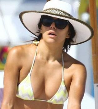 Ева Лонгория,фигура,в бикини,фото,папарацци,на пляже