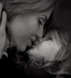 Виктория Боня,фото,Анджелина Смерфит,Instagram,дочь,поцелуй