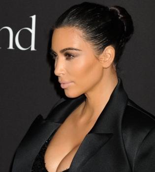 Ким Кардашьян,Diamond Ball,платье,фигура,грудь,декольте,фото
