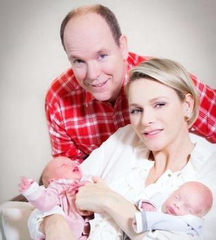 Принц Альберт,княгиня Шарлен,новорожденные,фото,двойняшки,Монако