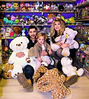 Олег Кензов,Х-фактор,жена,дочь,Новый год,фото,журнал Viva