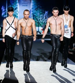 KAZAKY,персона нон грата,гомосексуализм,самара,клуб %22Метелица-С%22,фото,парни на каблуках