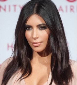 Ким Кардашьян,в бикини,скандал,фото