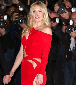 Кейт Хадсон,фото,Versace,платье