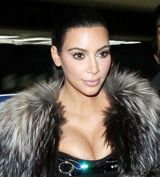 Ким Кардашьян,селфи,реклама,T-Mobile,видео