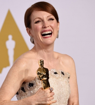 Джулианна Мур,Оскар 2015, Оскар 2015 лучшая актриса, Оскар 2015 лучший фильм, Оскар 2015 фильм, Оскар 2015 фото, Джулианна Мур Оскар 2015