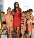 Ирина Шейк, Ирина Шейк на подиуме,Ирина Шейк с детьми,Ирина Шейк фото