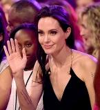 Анджелина Джоли,Анджелина Джоли дети,Анджелина Джоли после операции,Анджелина Джоли фото с детьми,Шайло Шувель,Шайло Нувель фото,Захара Джоли-Питт,Захара Джоли-Питт фото