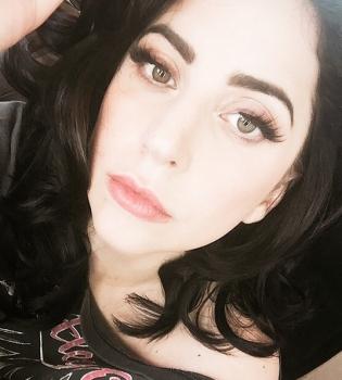 Леди Гага,Леди Гага фото,Леди Гага в магазине