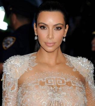 Ким Кардашьян,Ким Кардашьян фигура,Ким Кардашьян фото,Ким Кардашьян грудь,Ким Кардашьян стиль,Ким Кардашьян Met Gala-2015
