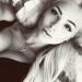 Экс-супруга Тимати Алена Шишкова решилась на повторную операцию и снова увеличила грудь. Причина из-за которой девушка отважилась снова лечь под нож хирургов: импланты деформировались после грудного вскармливания.