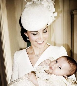 Кейт Миддлтон,принц Уильям,принцесса Шарлотта,принцесса Шарлотта фото,принцесса Шарлотта крестины