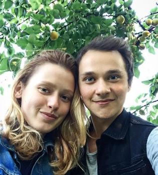 Когда мы дома, Когда мы дома сериал, Когда мы дома 2 сезон, Константин Войтенко, Валентина Маринина, когда мы дома актеры, танцуют все