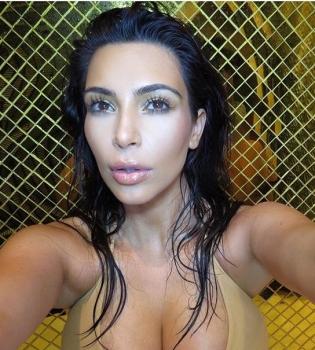 Ким Кардашьян,Ким Кардашьян фото,Ким Кардашьян фигура,Ким Кардашьян грудь,Ким Кардашьян инстаграм