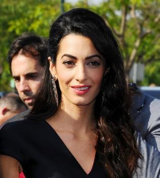 Амаль Клуни,Амаль Клуни фото,Амаль Клуни телеведущая,Джордж Клуни,Амаль Аламуддин